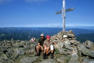 Grzegorz Okołów z żoną (wówczas jeszcze narzeczoną) Magdą na szczycie Góry Czerskiego.