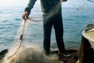 Z rybakami zostajemy 2 dni i jesteśmy świadkami wyjątkowo obfitego połowu. Częstują nas omulem – najbardziej znaną miejscową rybą, która żyje tylko w Bajkale.
